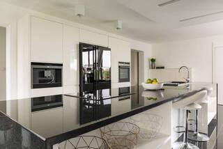 魅力的な開放感!憧れのオープンキッチン、メリットやデメリットを徹底解説! | DIYer(s)│リノベと暮らしとDIY。