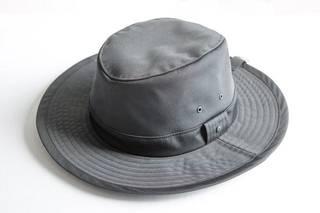Cave Hat 365マクアケのプロジェクトでご好評頂いておりました 『CaveHat365』の再販がスタートしました!数量限定ではございますが是非この機会にご購入ください。!サイズ / 56~58,5cm(内側でサイズ調整が可能です)本体 / ポリエステル 100%裏地 / ポリエステル 100%MADE IN TOKYO (東京製)(商品の詳細はこちらをご覧下さい↓)https://www.makuake.com/project/cavehat365/